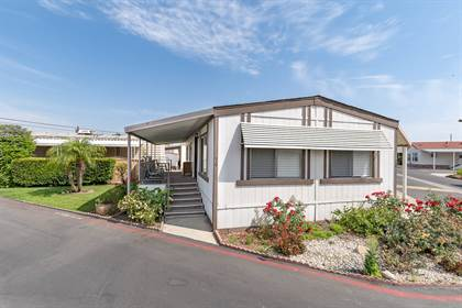 Residential Property for sale in 30 Spruce Via, Anaheim, CA, 92801