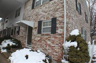 Townhouse for sale in 8314 Woodward Street, Overland Park, KS, 66212
