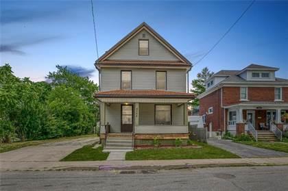 Multi-family Home for sale in 4588 NELSON Crescent, Niagara Falls, Ontario, L2E1E9