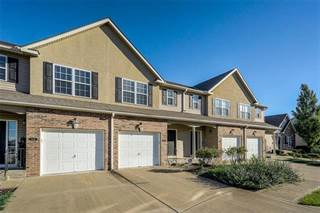 Townhouse for sale in 9427 N Granby Drive, Kansas City, MO, 64154