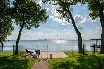 Residential for sale in 2710 Marquis Circle W, Arlington, TX, 76016