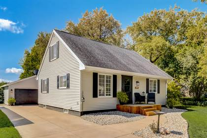 Residential Property for sale in 435 E Harvard St, Oconomowoc, WI, 53066