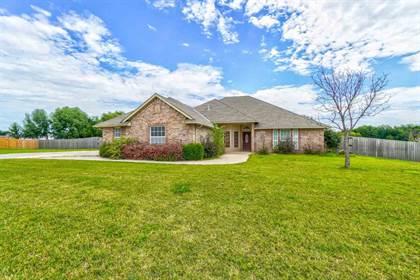 Residential Property for sale in 303 SE Azalea Ln, Cache, OK, 73527