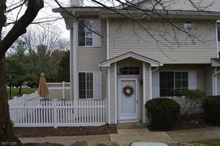 Townhouse for rent in 27 Academy Ct, Pluckemin, NJ, 07921