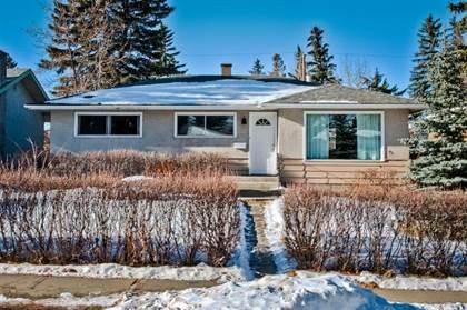 Single Family for sale in 105 Langton Drive SW, Calgary, Alberta, T3E5G1