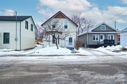 Residential Property for sale in 134 Sanford Street, Barrie, Ontario, L4N 3C7