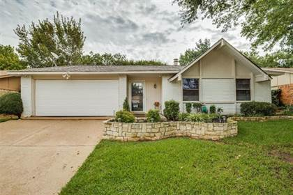 Residential for sale in 2607 Meadowview Drive, Arlington, TX, 76016