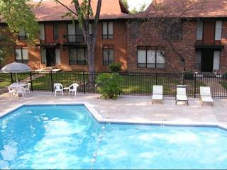 Apartment for rent in The Oaks on Bonhomme - 3 Bed TH, University City, MO, 63132