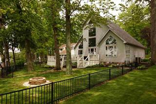 Single Family for sale in 200 Lane 150H Hamilton Lake, Hamilton, IN, 46742