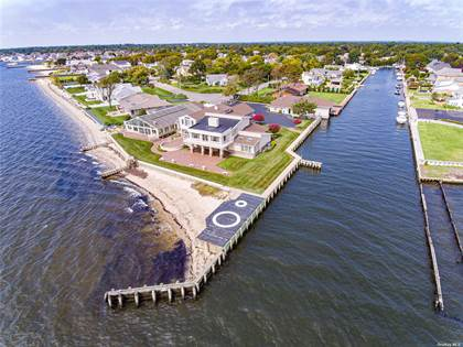 Residential Property for sale in 151 Wagstaff Lane, West Islip, NY, 11795