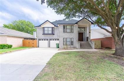Residential for sale in 1416 Beckwith Drive, Arlington, TX, 76018