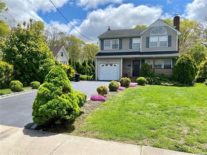 Residential Property for sale in 124 Erlanger Boulevard, North Babylon, NY, 11703