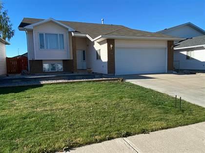 Residential Property for sale in 70 Mt Rundle Road W, Lethbridge, Alberta, T1K 7B5