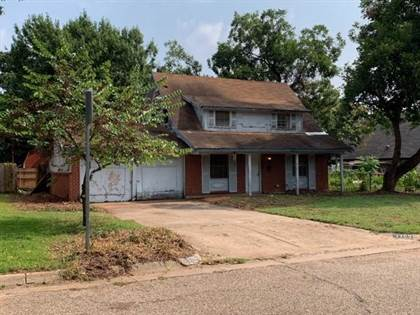 Residential for sale in 1703 Foster Drive, Arlington, TX, 76012