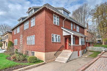 Residential Property for sale in 3089 Le Boulevard, Montreal, Quebec