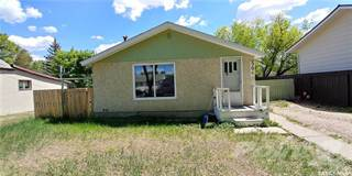 Residential Property for sale in 506 Walsh STREET, Maple Creek, Saskatchewan, S0N 1N0