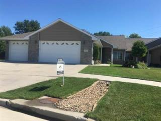 Townhouse for sale in 2012 Crane Circle Drive, Hastings, NE, 68901