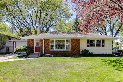 Residential for sale in 2445 Aglen Street, Roseville, MN, 55113