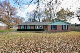 Single Family for sale in 1039 OAKWOOD Trail, Indianapolis, IN, 46260