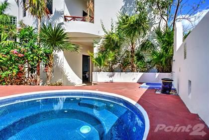 Condominium for sale in RAR 64 – Open and Bright 2 Bedroom/2 Bath Condo Steps From the Beach!, Puerto Morelos, Quintana Roo