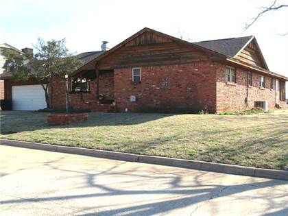 Residential Property for sale in 1125 Chandler, Clinton, OK, 73601