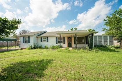 Residential Property for sale in 8915 NE 15th Street, Midwest City, OK, 73110