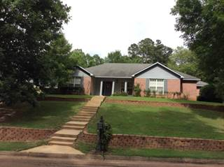 Single Family for sale in 113  Beverly Drive, Grenada, MS, 38901