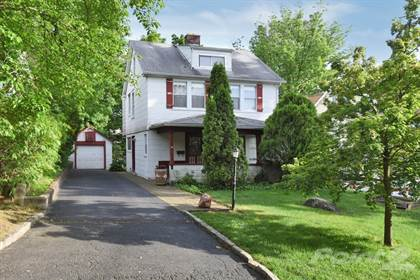 Single-Family Home for sale in 34 Franklin Place Great Neck Village, Great Neck, NY, 11023