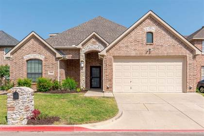 Residential for sale in 2304 Springmere Drive, Arlington, TX, 76012