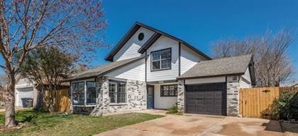 Residential for sale in 7436 Creekfall Drive, Fort Worth, TX, 76137