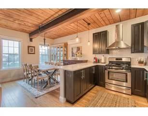 Condo for sale in 110 Pleasant St 203, Cambridge, MA, 02139