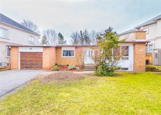 Apartment for sale in 40 Larkfield Dr, Toronto, Ontario