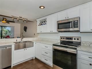 Townhouse for sale in 140 E El Norte Pkwy 44, Escondido, CA, 92026