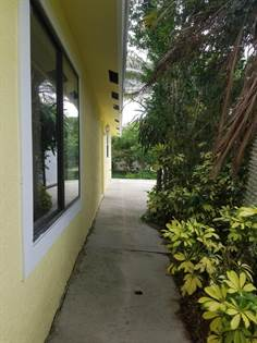 Residential Property for sale in 462 NE Midvale Street, Port St. Lucie, FL, 34983