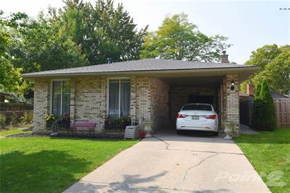 Residential Property for sale in 9932 HOLLY Crescent, Windsor, Ontario, N8R 1Y6