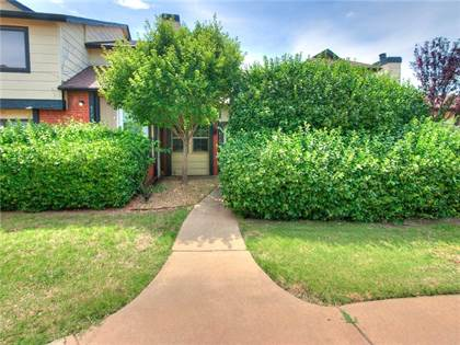 Residential for sale in 8727 N Roxbury Boulevard, Oklahoma City, OK, 73132
