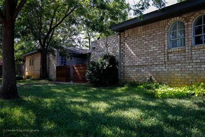 Residential for sale in 2113 Inverness Drive, Arlington, TX, 76012