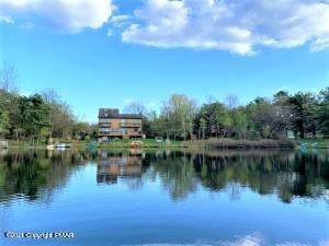 Residential Property for sale in 1377 Glade Dr, Long Pond, PA, 18334
