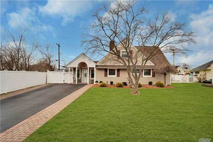 Residential Property for sale in 5 Friendly Road, Hicksville, NY, 11801