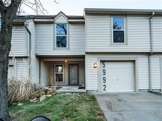 Townhouse for sale in 5992 N Bellefontaine Avenue, Kansas City, MO, 64119