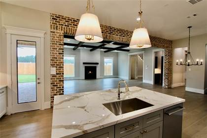 Residential Property for sale in 1839 Candlelight Place Drive, Houston, TX, 77018