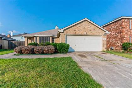 Residential Property for sale in 7405 Fossil Garden Drive, Arlington, TX, 76002