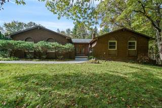 Single Family for sale in 215 NAKOMIS Trail, Orion Township, MI, 48362