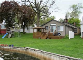 Single Family for sale in 10300 MARY LEE Avenue, White Lake, MI, 48386