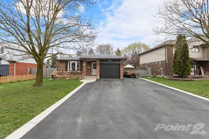 Residential Property for sale in 135 Foxridge Drive, Cambridge, Ontario, N3C 3V7