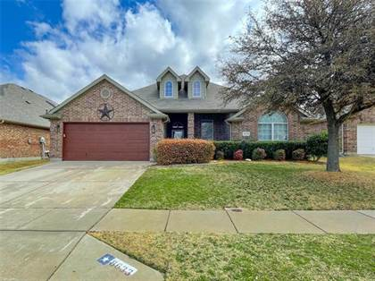 Residential for sale in 8633 Deepwood Lane, Fort Worth, TX, 76123