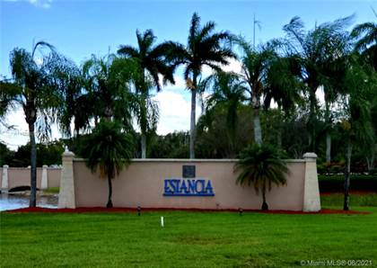 Residential for sale in 19391 SW 2nd St, Pembroke Pines, FL, 33029