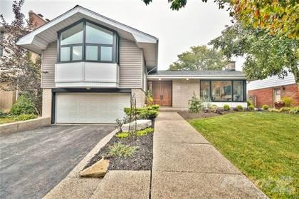 Residential Property for sale in 53 PLEASANT Avenue, Hamilton, Ontario, L9C 4M8
