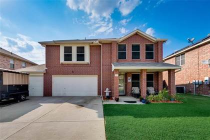 Residential for sale in 901 Blue Sky Drive, Arlington, TX, 76002