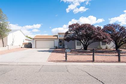 Residential Property for sale in 425 WAGON TRAIN Drive SE, Rio Rancho, NM, 87124